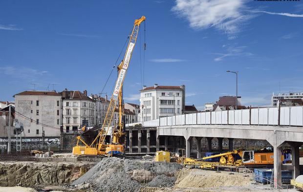 Loi mobilit s les r gles de construction des infrastructures sur le point d 39 tre amend es for Loi sur les constructions