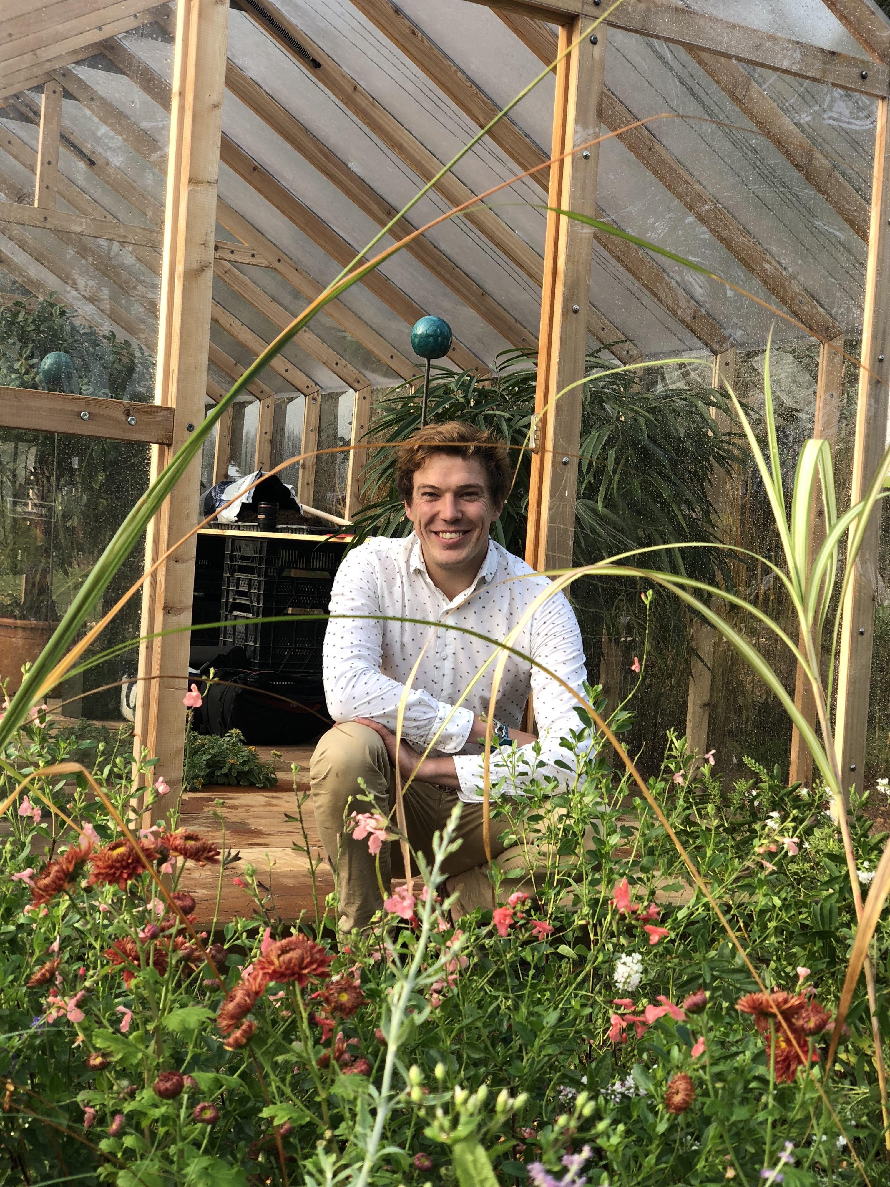 Que Planter En Octobre Sous Serre serre en bois met de l'élégance dans le jardinage familial