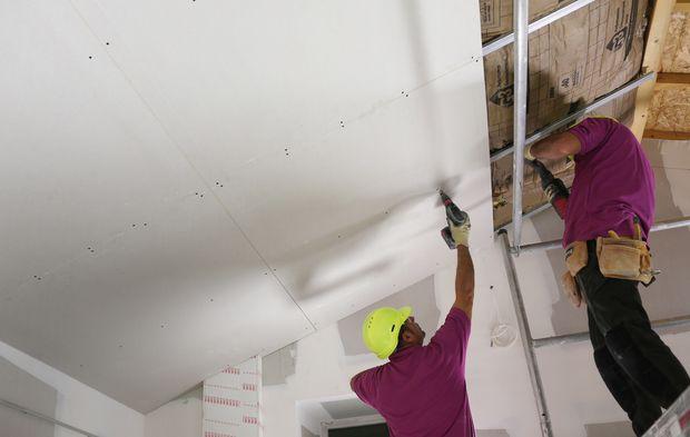 Siniat lance une plaque de plâtre pour plafond à entraxe élargi