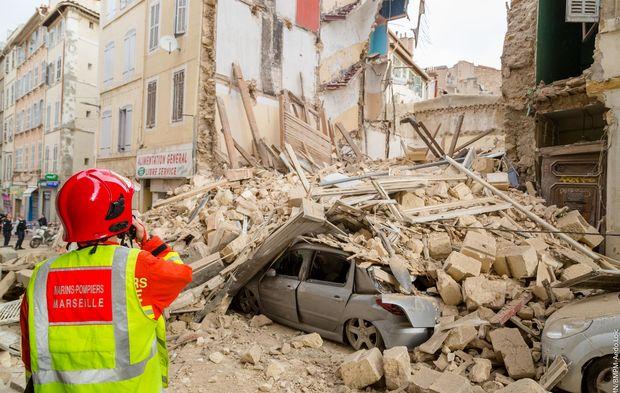 Immeubles effondrés à Marseille: le corps d'un homme retrouvé dans les décombres