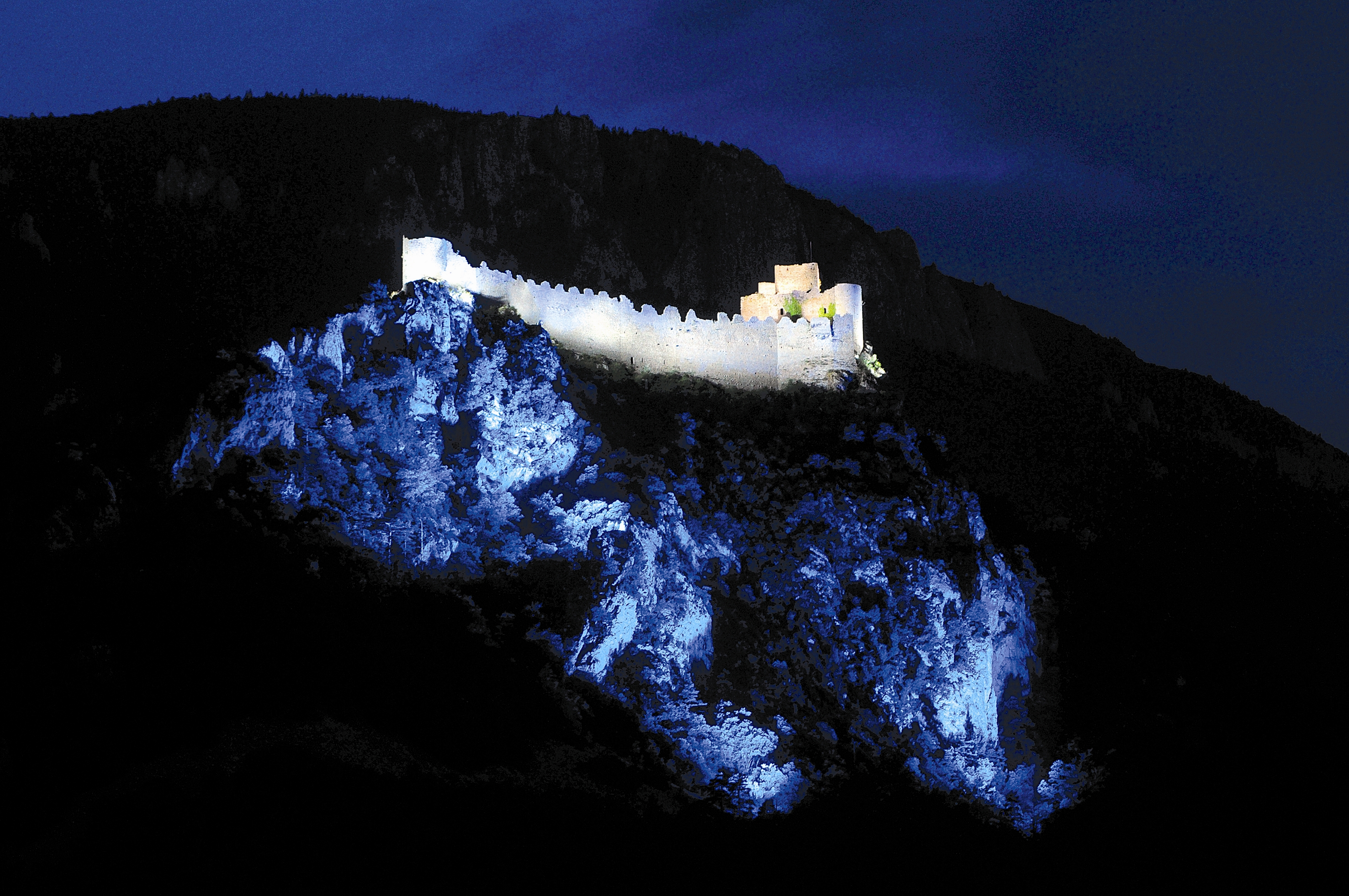 Les LED illuminent une citadelle cathare