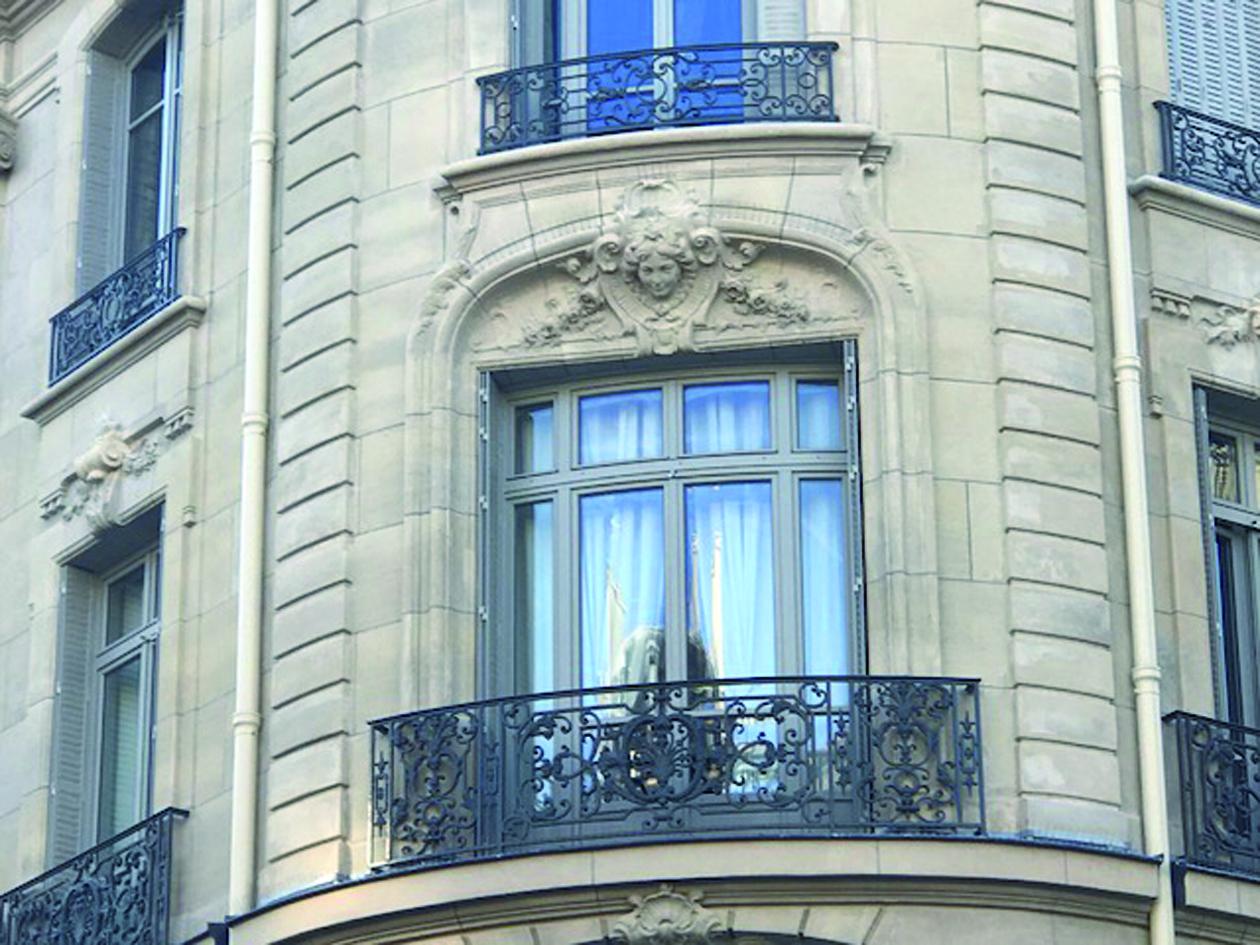 Une Rénovation Patrimoniale Denvergure à Paris Pour Le Menuisier