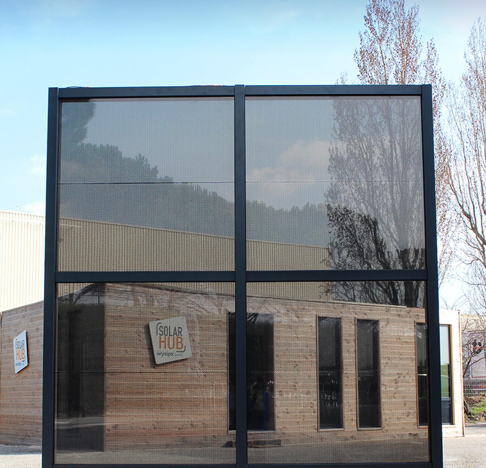 vinci construction et sunpartner lancent un mur rideau photovolta que. Black Bedroom Furniture Sets. Home Design Ideas