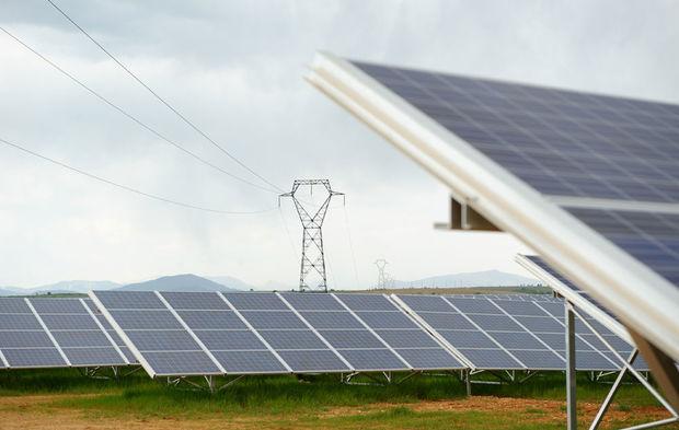 Comment le gouvernement veut accélérer le développement du solaire 27e49a10393c