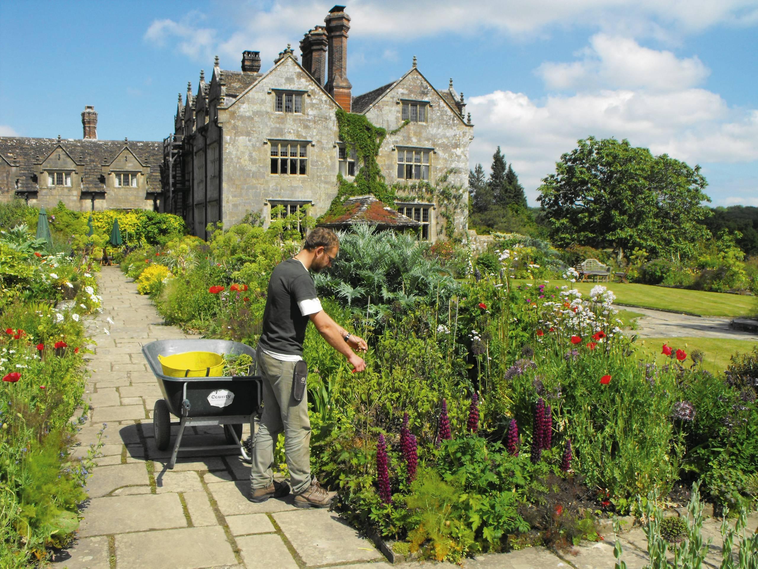 Les Jardins À L Anglaise gravetye manor. renaissance d'un jardin à l'anglaise
