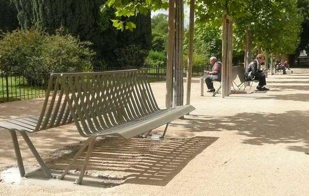 Le mobilier urbain du Jardin des Plantes à Paris fait peau neuve